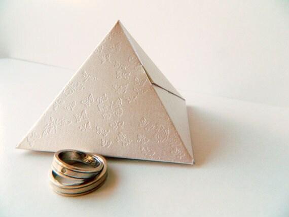 Asian pyramid favor boxes