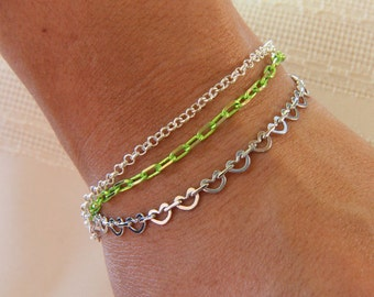 Kathleen Bracelet - 3-strand, silver-plated kidney-chain link combined with green and brass chain