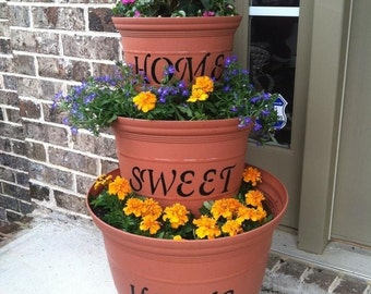 Home Sweet Home stenciled flower pots.