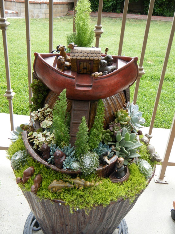 Succulent planter Noah's Ark scene - One of a kind