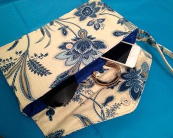 Marit blue floral clutch