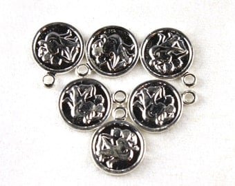 6x Vintage Silver Plated Gemini Charms - M029-A