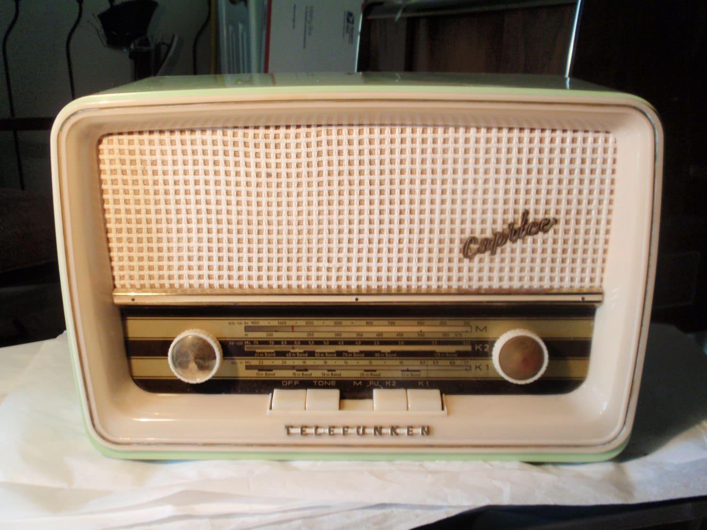 vintage telefunken radio caprice. Black Bedroom Furniture Sets. Home Design Ideas