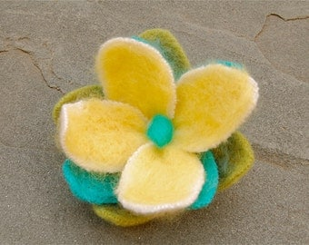 Felted Flower Pin, Cashmere and Wool Felted Flower Pin, Handmade Brooch With Needle Felted Wool Roving, Repurposed Wool and Cashmere Corsage