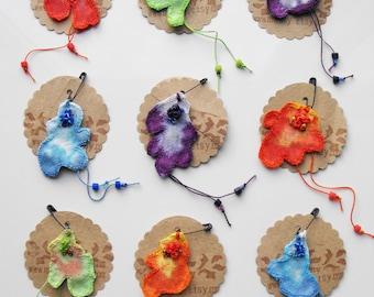 Choose your colour - Small lichen pin