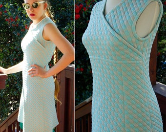 """PALM Springs 1960's 70's Vintage Robin's Egg Blue + Gray Quilted Sleeveless Dress // size Small 34"""" Bust // by LORCH"""