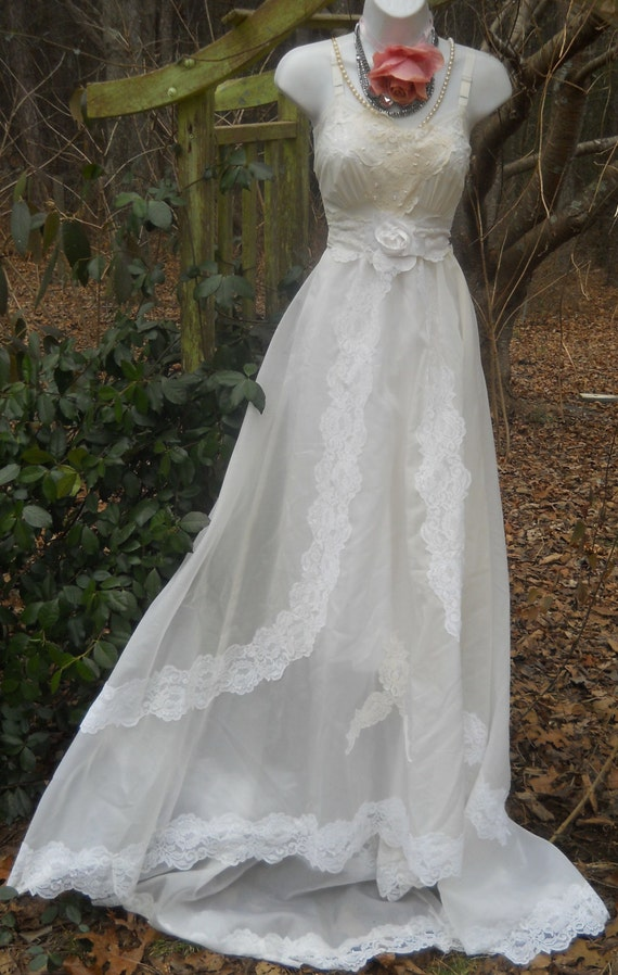 cream wedding dresses wedding dress vintage lace medium by vintage 3176