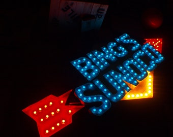 EXTRA LARGE Sunoco Movie Theater Size Marquee Arrow Letter  Vintage  Huge 7 FEET  Bulbs