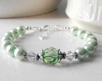 Mint Bridesmaid Jewelry Pearl and Swarovski Crystal Bracelet, Bridesmaid Bracelet Set, Beaded Jewelry, Mint Wedding, Pearl Bracelet
