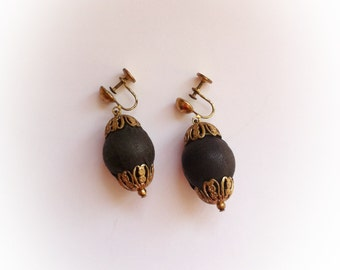 Vintage Black Dangle Earrings Screwbacks