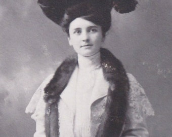A Hat with Black Plumes c.1900 Ladies Victorian Photo From Texas Elegant Full Length Portrait Fur Collar Bouquet of Flowers