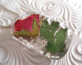 True Love-Red Rose,Queen Anne's Lace Glass Rectangle Pressed Flower Pendant-Symbolizes True Love,Peace-Gifts Under 30