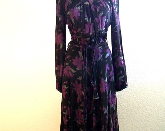 vintage 70s PEGGY LANE gorgeous fuscia and grey orchids on black dress with belt and pockets   size medium