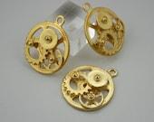 4 pcs.Zinc Gold Wheel Gear Steampunk Charms Pendants Decorations Findings 30 mm. PND Gear1 RC