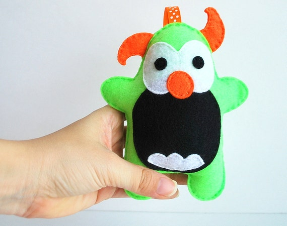Felt Halloween Monster Ornament Plush Toy, Green and Orange cute felt Monster A745