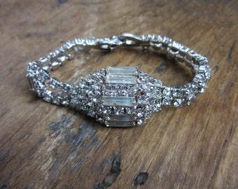 1960s Weiss Rhinestone Bracelet/ Clear Round Baugettes Rhinestones Shimmering