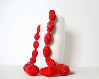 Poppy Red: Statement Necklace FILA with Beads of Corrugated Cardboard