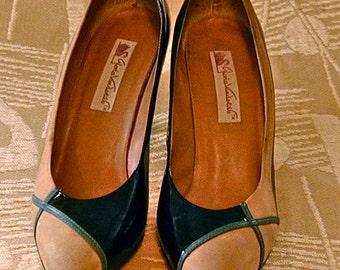 Shoes Gloria Vanderbilt Black Patent Camel Suede Teal Piping Geometric Pumps