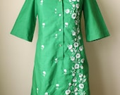 Green Embroidered Vintage Collared Shift Dress 1960s