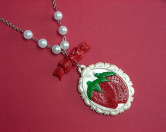 Strawberry Cameo Necklace with Bow and Pearls sweet country lolita