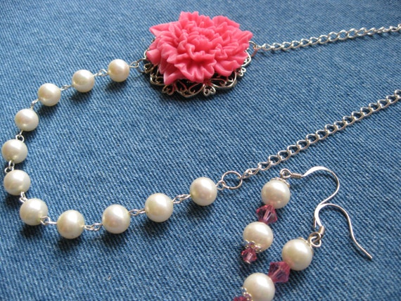 SET - Creamy Pearls with Very Pink Carnation Necklace - Matching Earrings