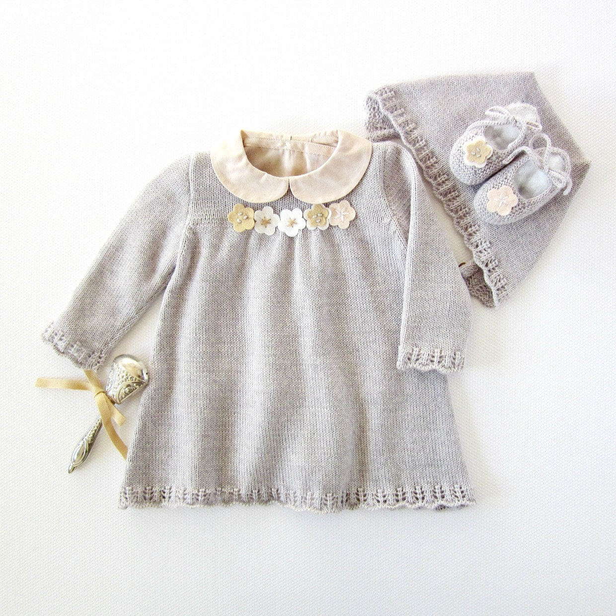 Knitted dress cap and shoes set for baby girl in gray. 100%