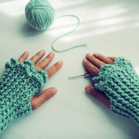Crochet Mitten Patterns For Beginners : Crochet Pattern Fingerless Mittens Grace PDF beginners by ...