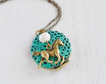Horse Locket, Animal Jewelry, Wildlife Animal Pendant, Patina Green Locket, Horse Charm Gift, Running Horse, Friend Necklace, Locket Jewelry