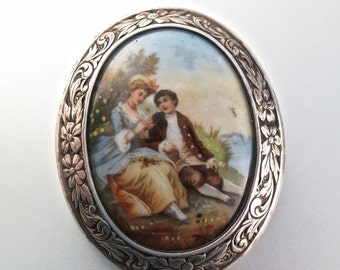 ANTIQUE MINIATURE BROOCH.  victorian brooch. hand painted porcelain brooch. lovers brooch. courting couple. c catch No.001617 cs
