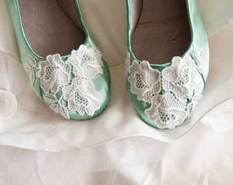 Wedding ballet flats low heel bridal shoes embellished with floral ivory Venice lace