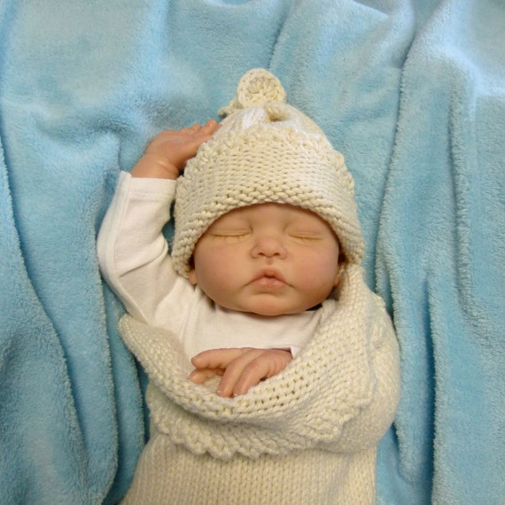 25% Off - Organic Cotton Newborn - 3 month Cocoon and Beanie Set (No Dyes, Not Bleached)