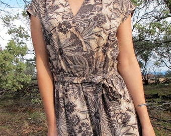 1950s Wrap Dress, Natural Flowers / Subtropic Lowlands / Oceanic Floral in Brown Midi // size S/ M / L