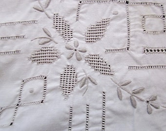 Grannie's 70's Handcrafted White Square-Shaped Cotton Tablecloth with Artistically Openwork Art - TREASURY ITEM
