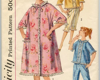 1960s Vintage Sewing Pattern Simplicity 3665 Pajamas or Robe with Kimono Sleeves and Lace Trim, Bed Hat with Lace Edging Bust 32