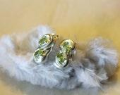 Beautiful 925 Sterling Silver with light green stone Earrings In 8 Pattern - Pierced