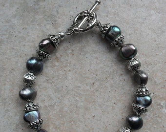 """Black Freshwater Pearl bracelet  7 1/2"""" with Toggle Clasp"""