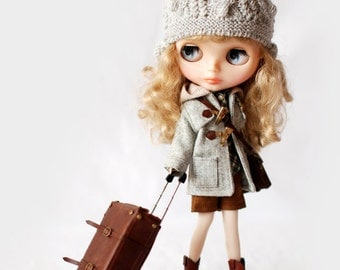 Miss yo Winter Coat with OX-horn Buttons for Blythe doll - doll outfit - Grey