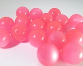 30 Vintage 10mm Pink Moonglow Lucite Beads Bd775