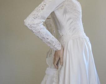 William Cahill / 1950s Wedding Dress / Mad Men Wedding / Wedding Dress Train / Traditional Wedding / Lace Wedding Dress / Long Sleeve