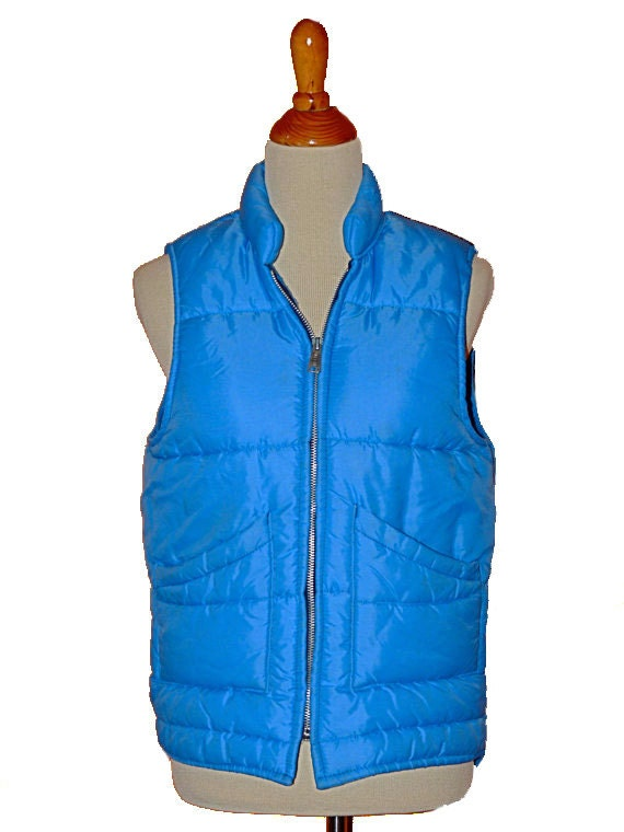 1980s zip up PUFFY vest size medium / large in dark sky blue last chance offer