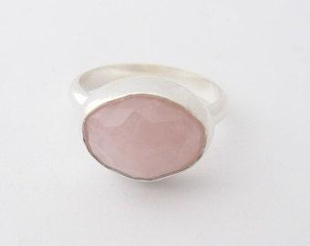 Rose Quartz silver Ring, Sterling Silver Ring,  Oval Rose Quartz, Gemstone ring, Handmade