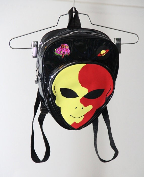 AMAZING Shiny Patent Alien Head 90s Backpack