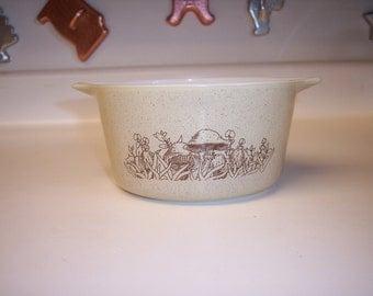 Vintage Pyrex Forest Fancies casserole dish 1 L round casserole dish