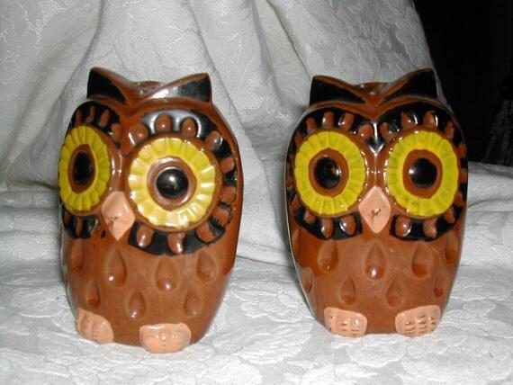 Owls Salt And Pepper Shakers Cute Vintage Ceramic By Merlinmn