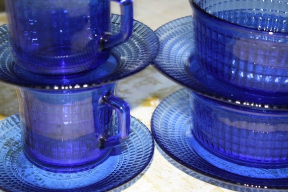 Vintage Mexico Made Cobalt Blue Glass Dinnerware Serving Bowl