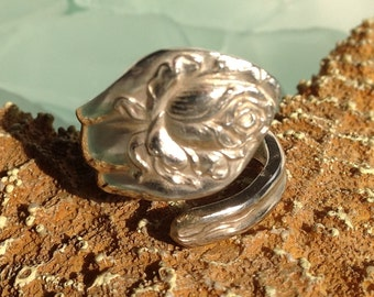 SALE CAVIAR DREAMS Beautiful Vintage Stratford Silver Company Roses Spoon Ring - Etsy andersonhs