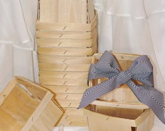 12 WOOD BerrY BASKETs - FarMerS MarKeT Crates  -Pie Slice Boxes - Weddings - Favors