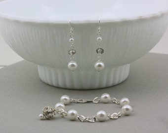 Bridesmaid Gift-Bracelet and Earring Set-Wedding Jewelry-PearlJewelry-Bridesmaid Jewelry-Pearl Bracelet-Bridal Bracelet-Dream Day Designs
