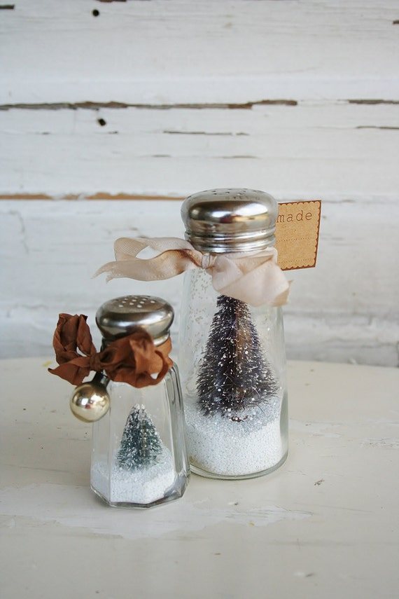 Bottle Brush Snow Globes