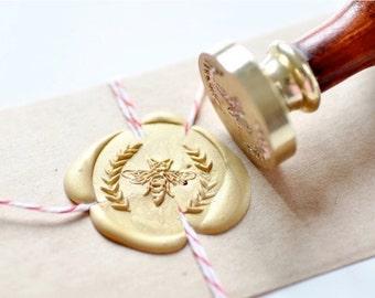 B20 Wax Seal Stamp Bee Wreath